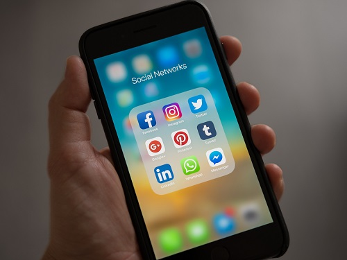 Are You Being Tracked By WhatsApp Apps?
