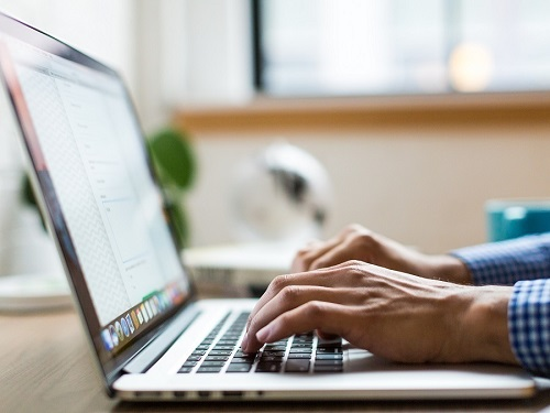 Tech Tip – Windows 10 Emoji/Kaomoji Keyboard